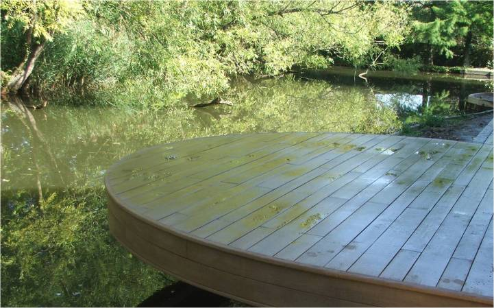 Exterior Decking Cantilivered Millboard Decking