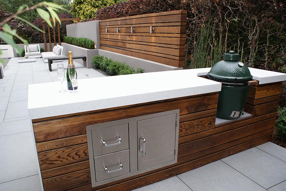 Enhanced grain cedar cladding used in a contemporary garden